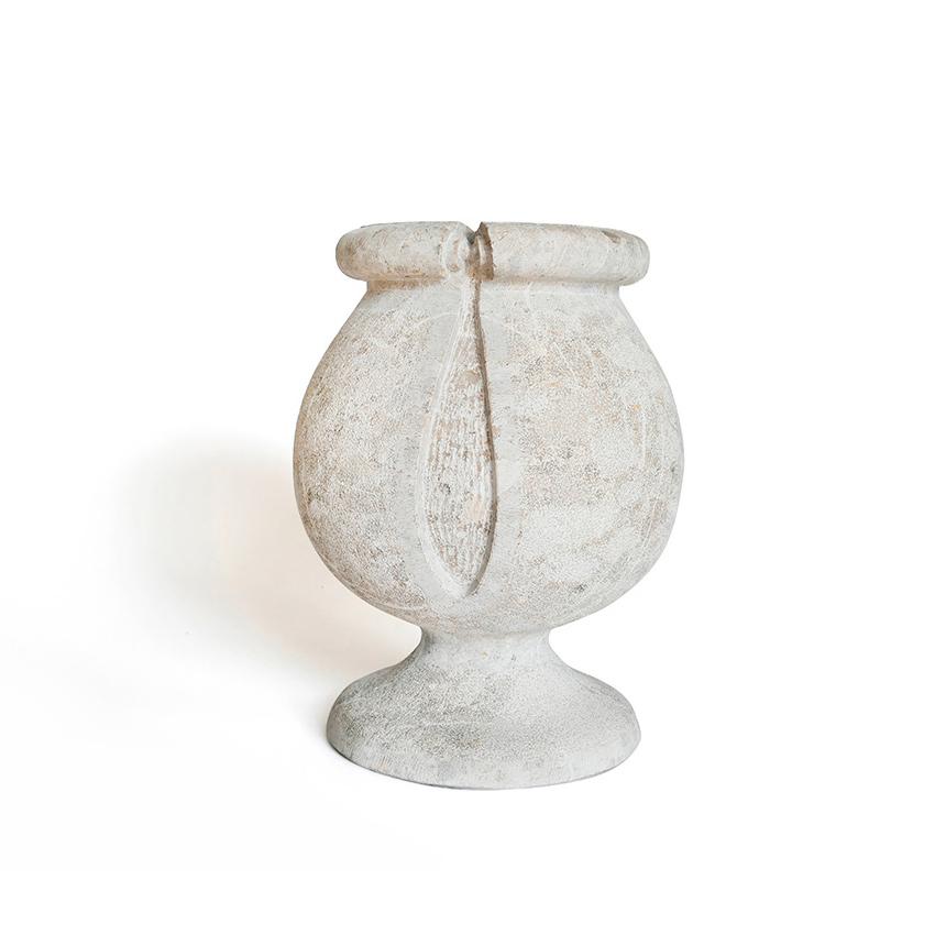 vaso in pietra da esterno