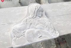 Bassorilievo raffigurante La Pietà