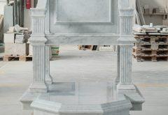 seggio vescovile in marmo