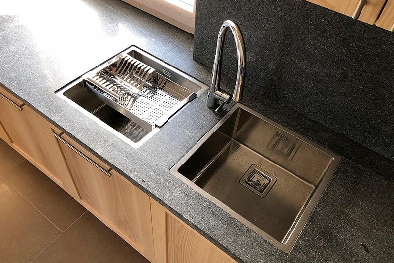 rivestimento-cucina-in-marmo